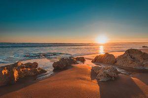 mejores surf trips en Portugal y España
